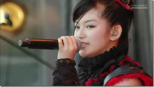 BABYMETAL_catch-me-if-you-can_15