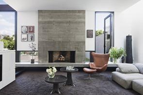 salon-de-diseño-moderno-con-chimenea