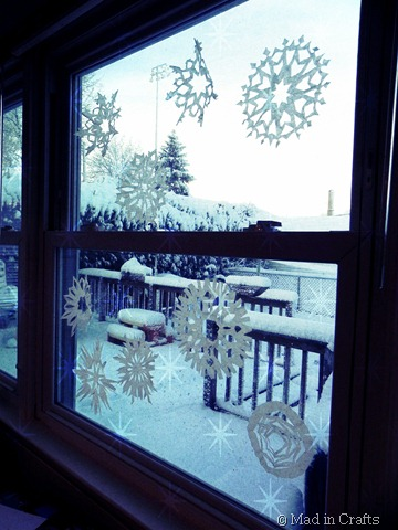 paper snowflakes on the window edit
