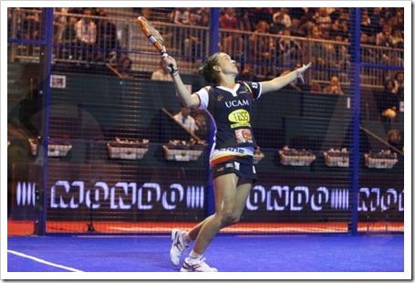 Patty Llaguno e Iciar Montes revalidan el titulo del Master PPT 2011 en Madrid.