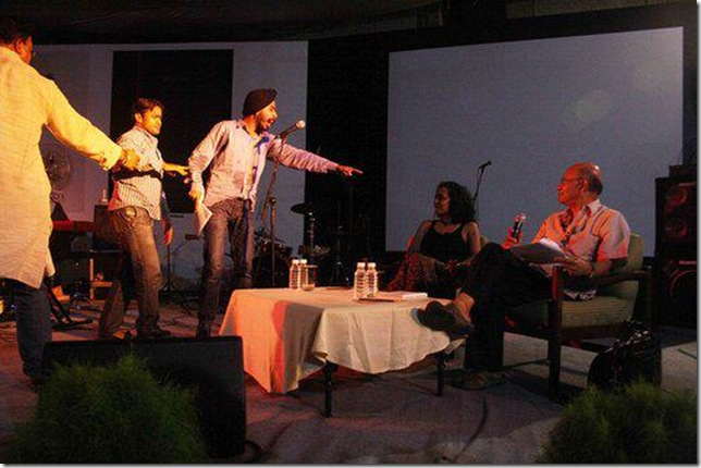 Bagga-Against-Arundhati-Roy-on-Stage