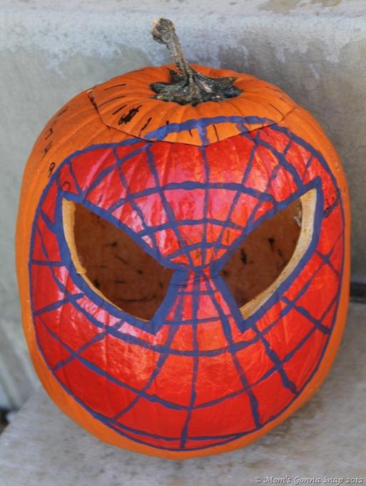 Spiderman Pumkin MomsGonnaSnap (1)
