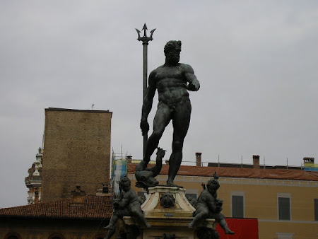Imagini Italia: statuia lui Neptun din Bologna
