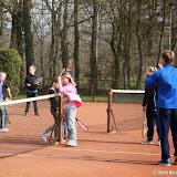 TC Nieuwe Pekela organiseert tennisclinics voor scholieren - Foto's Rene Harms