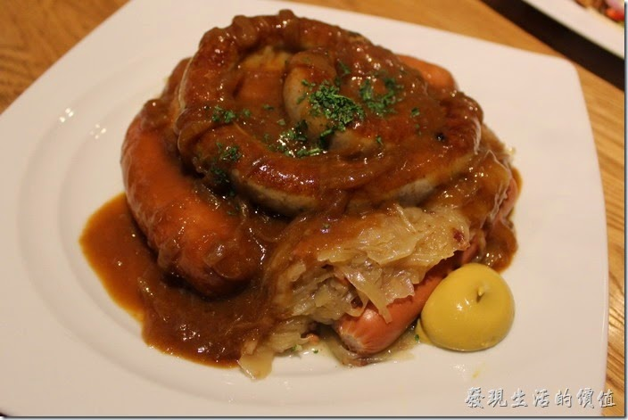 台北-溫德德式烘培餐館(內湖店)。德式香腸綜合盤,NT465。