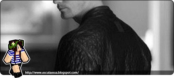 Alec e seu casaco de couro