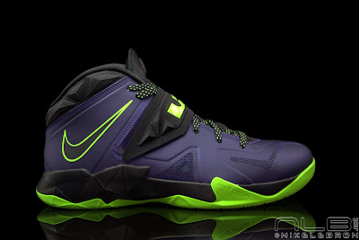lebrons soldier7 purple volt 37 web black The Showcase: Nike Zoom LeBron Soldier VII JOKER