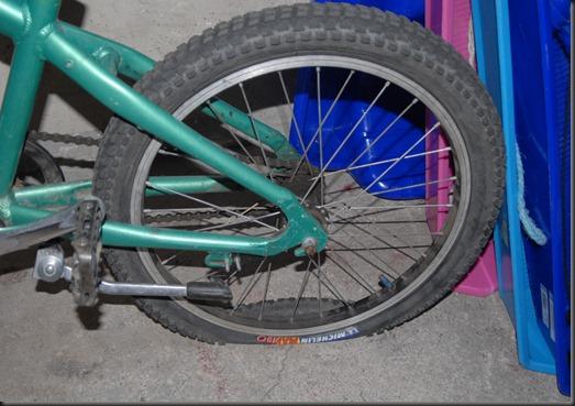 pyörä rengas 003