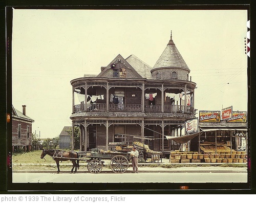 'House, Houston, Texas  (LOC)' photo (c) 1939, The Library of Congress - license: http://www.flickr.com/commons/usage/