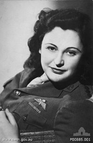 200px-nancy_wake_1945