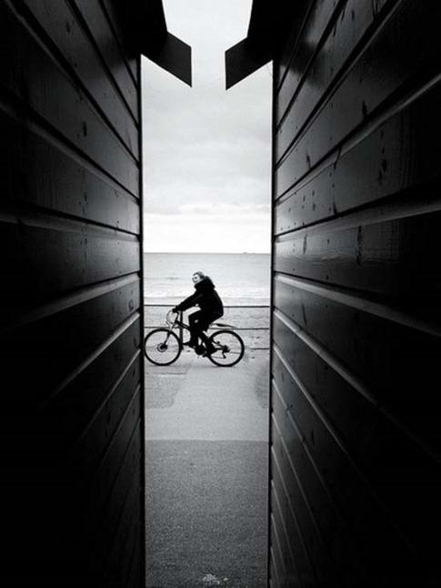 42. Paseando en bicicleta