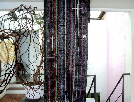 Mostra Nós ensaios têxteis de Alexandre Heberte