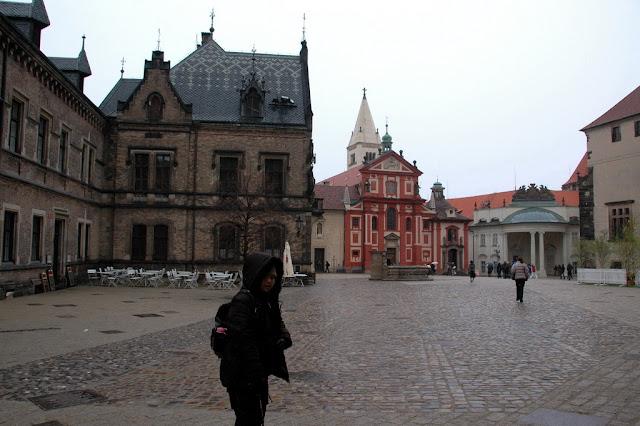 "Taken at Latitude/Longitude:50.091251/14.401525. 0.34 km North-East Hrad?any Hlavn?Mesto Praha Czech Republic <a href=""http://www.geonames.org/maps/google_50.091251_14.401525.html""> (Map link)</a>"