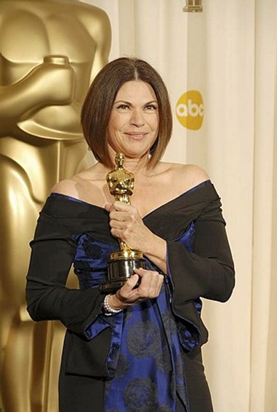 "Colleen Atwood Win Oscar In The Tim Burton's  Movie ""Alice in Wonderland"""