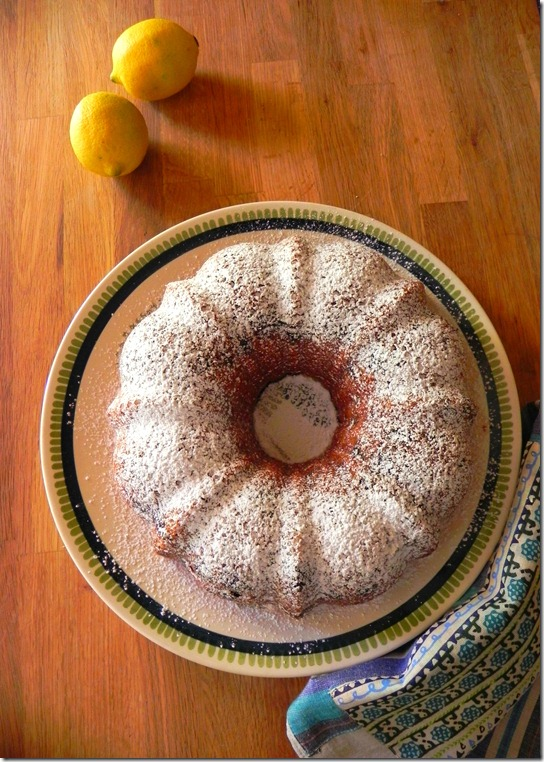 vegan-blueberry-lemon-bundt-cake-1