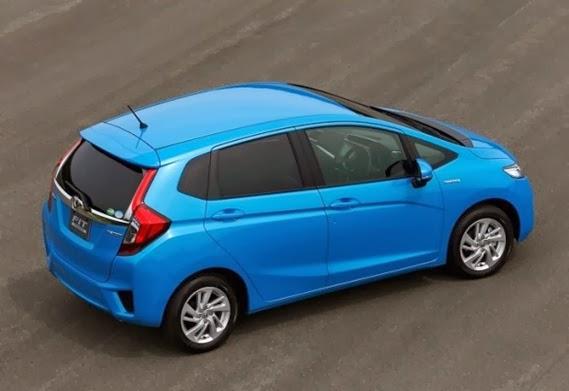 Honda-Fit-Hybrid-2014-1