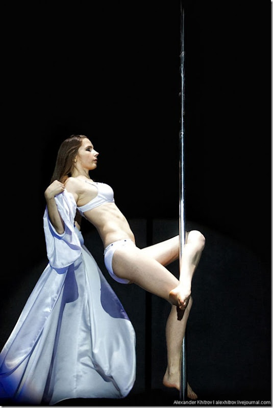 russian-pole-dancing-competition-37