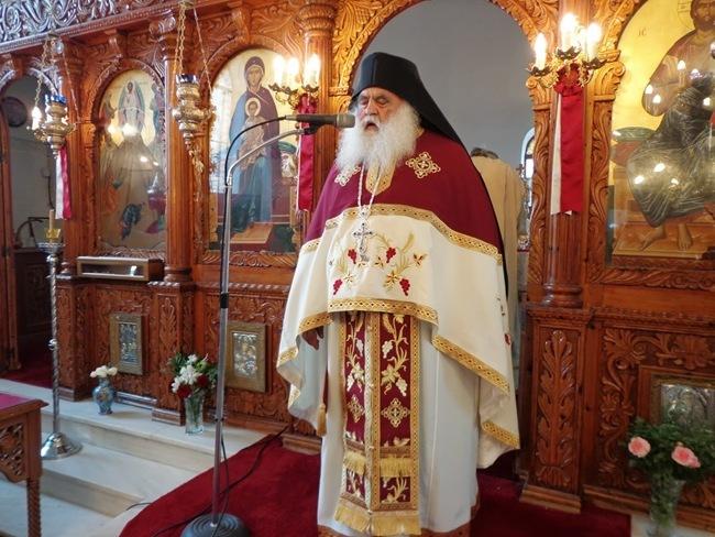 Ο ηγούμενος της ιεράς μονής Αγίου Παύλου Αγίου Όρους στον Πόρο [video-φωτογραφίες]