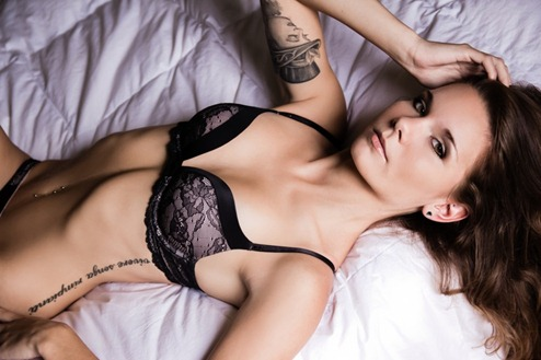 awesome_tattooed_beautiful_women_15