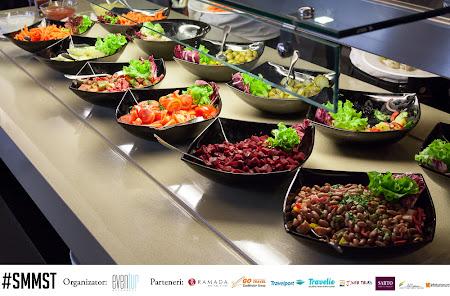 8. salate la pranz.jpg
