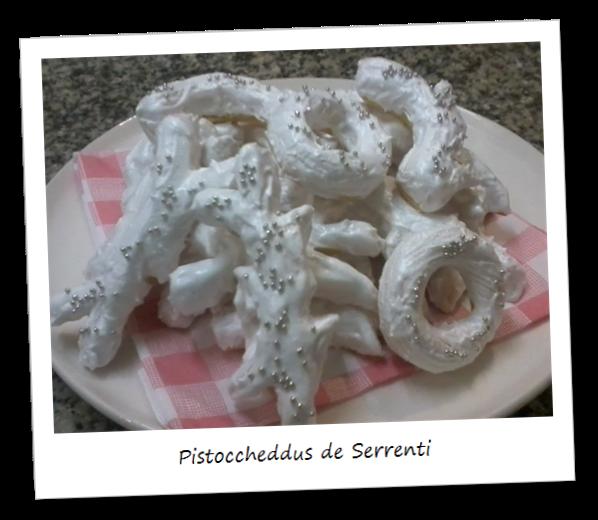 Fotografia dei dolci tipici sardi chiamati Pistoccheddus de Serrenti