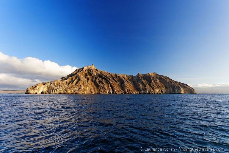 Blick auf San Cristobal vom Meer aus - Galapagos