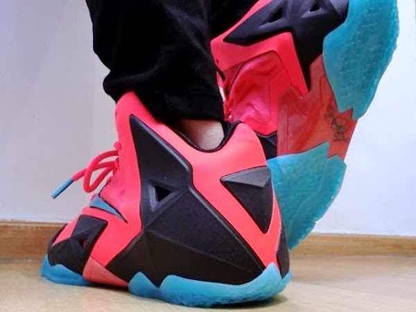 Kids8217 Nike LeBron XI GS Styled to Match the Men8217s Crimson Elite