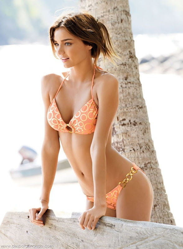 miranda-kerr-linda-sexy-sensual-model-boobs-ass-lingerie-desbaratinando (9)