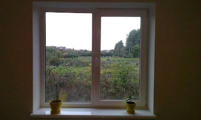 okno almplast, podokonnik danke, otkosi gipsokarton