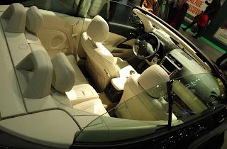 wnętrze Lexusa IS 250C