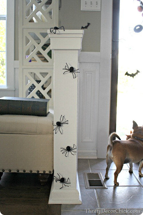 spiders Halloween decor