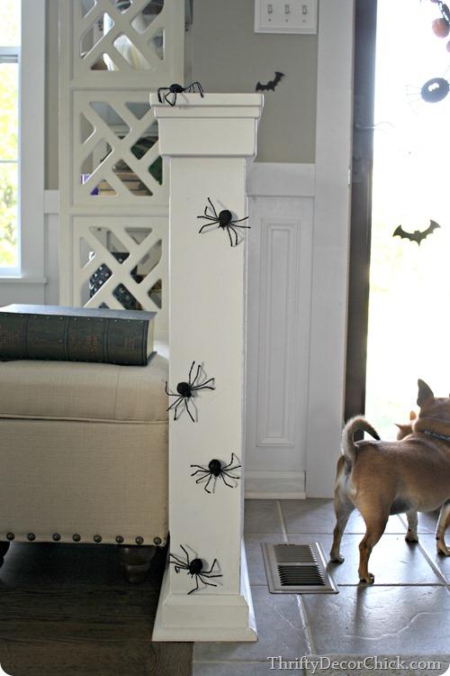 spiders Halloween decor