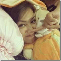 Gambar selfie Erra Fazira di bilik tidur3