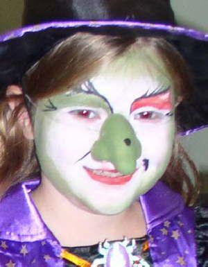 Ideas de maquillaje de bruja para halloween actividades para ni os manualidades f ciles y - Como pintar a una nina de bruja para halloween ...