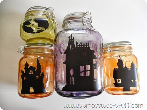 Spooky Halloween Village at www.sumossweetstuff.com #spookyspaces