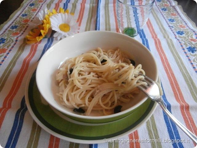 spaghetti tonno tuna limone lemon olive nere black olives risottati ricetta veloce