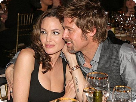 Brad-Pitt-and-Angelina-Jolie-at-table