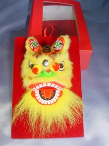 chinese dance lion ornament