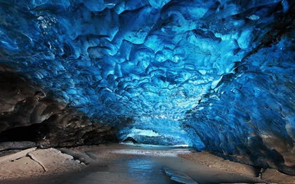 crystal-ice-cave-skaftafell-iceland-800x500