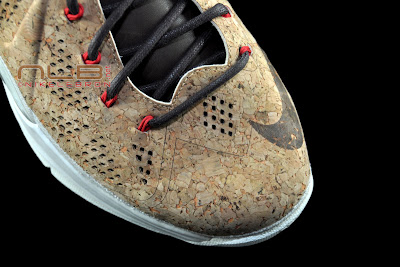 lebron10 nsw cork 43 web black The Showcase: NIKE LEBRON X Cork World Champions Shoes