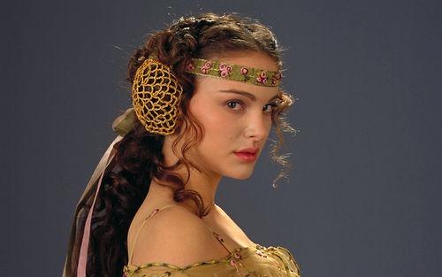 natalie-portman-in-authentic-dress