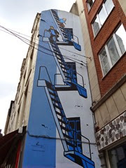 2014.08.03-023 BD Tintin sur un mur