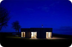 Night-View-Farmhouse-on-a-Hill-by-Paterson-Architects