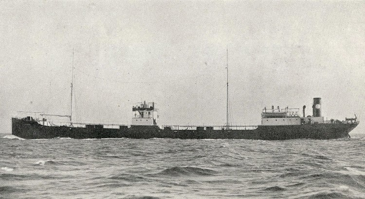 Vista por babor del ARNUS. De la Revista The Motor Ship. Diciembre de 1923.jpg