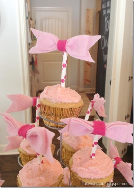 cupcake topper 2