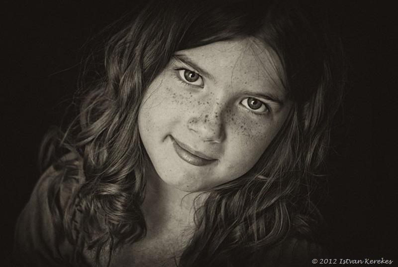 CurlyGirl Laura by Istvan Kerekes
