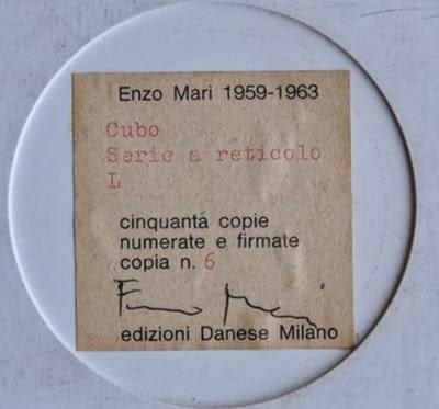 Enzo Mari Cubo Serie a reticolo L signature