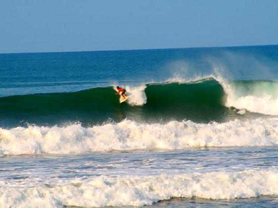 Camaronal Beach Surf wave