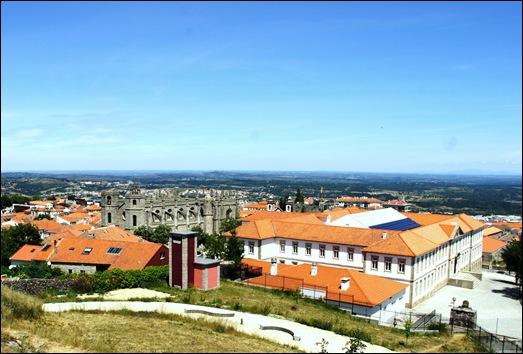 Gloria Ishizaka - Guarda - Sé Catedral e convento de santa clara - vista a partir da Torre de Menagem