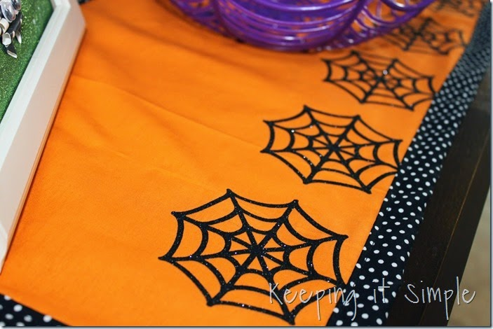 Halloween-spiderweb-table-runner (7)